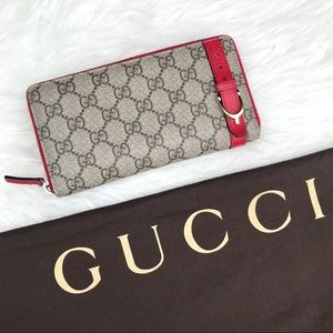 GUCCI Supreme Monogram & Red Leather Zip Wallet